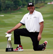 "american golf News: 'I'm still not going to work out"" – Pat Perez wins at the CIMB Classic in Malaysia"